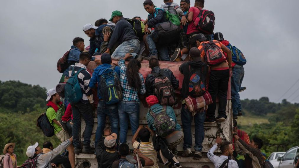 Mexican Gov't Driving Migrant Caravan To US With Buses and Private Cars