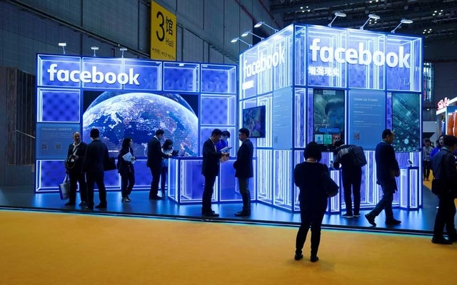 Facebook to Fund Trainee Local Newspaper Reporters in Britain