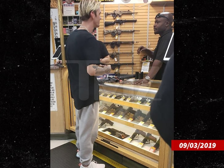 After avoiding psychiatric holding, Aaron Carter will not give up his guns