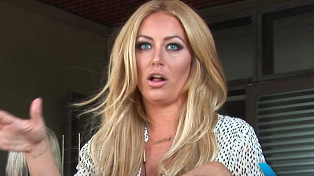 ' F**k ' T-shirt by Aubrey O'Day caused a scene on American Airlines Flight