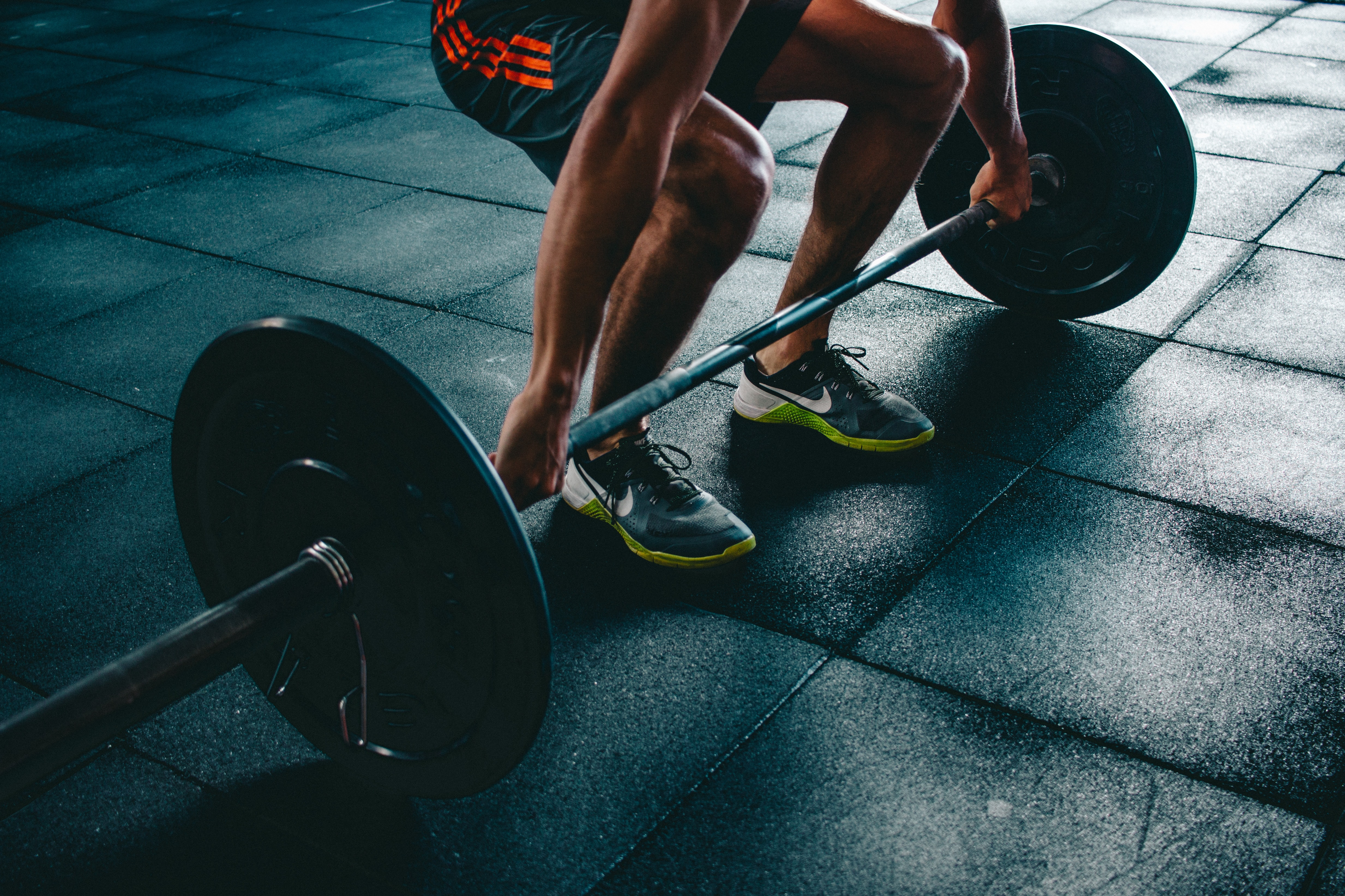 Shoes for weightlifting