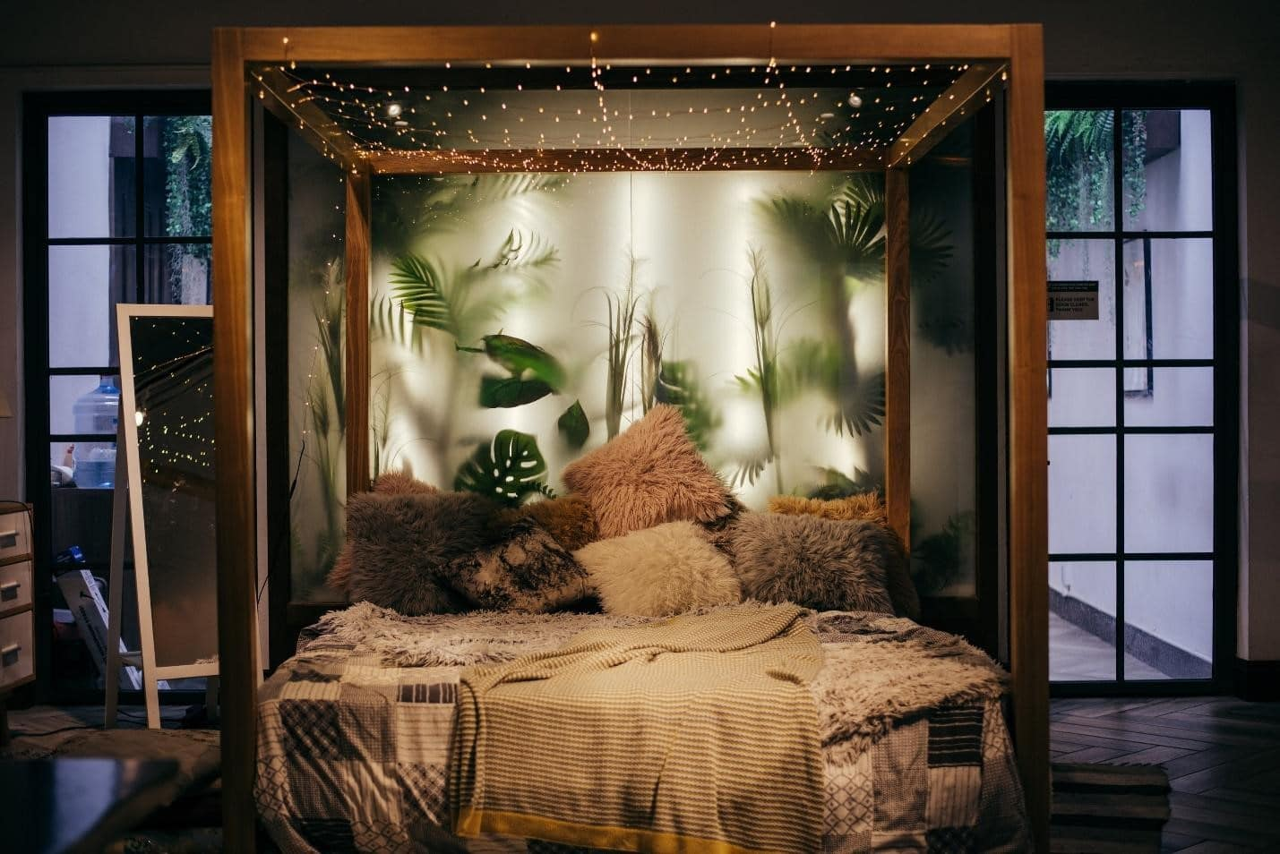 SIMPLE WAYS TO MAKE YOUR BEDROOM LOOK CLASSY