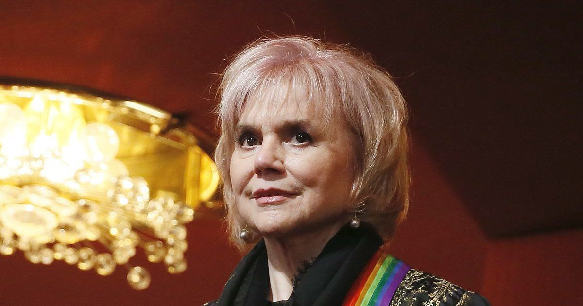 Trump is ' Like Hitler and Mexicans are new Jews ' Linda Ronstadt: