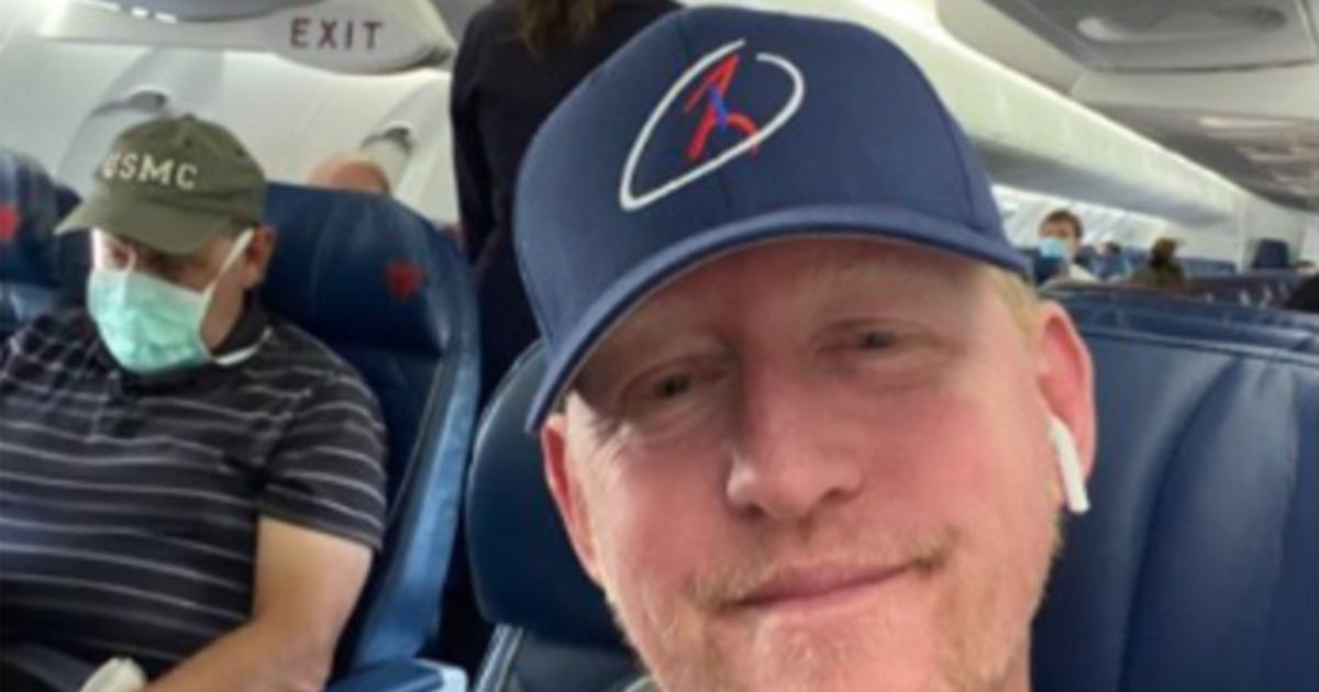 UBL Killer Rob O'Neill is not permitted to suffer by wearing mask while eating cheese puffs. Delta Airlines Forbids
