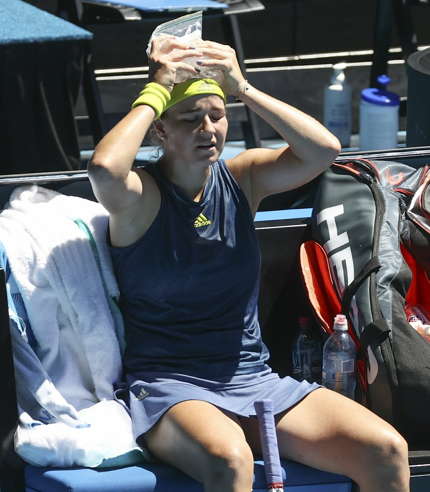 In the Australian semis, Muchova upsets Barty and faces Brady