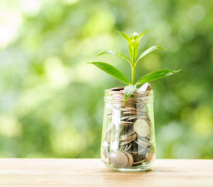 Guarantee your future-self a comfortable future. Invest in a savings plan today!