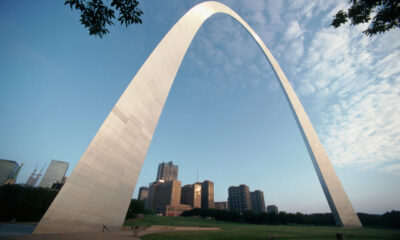 Prospective St. Louis Blues player robbed at gunpoint on the Arch grounds Monday