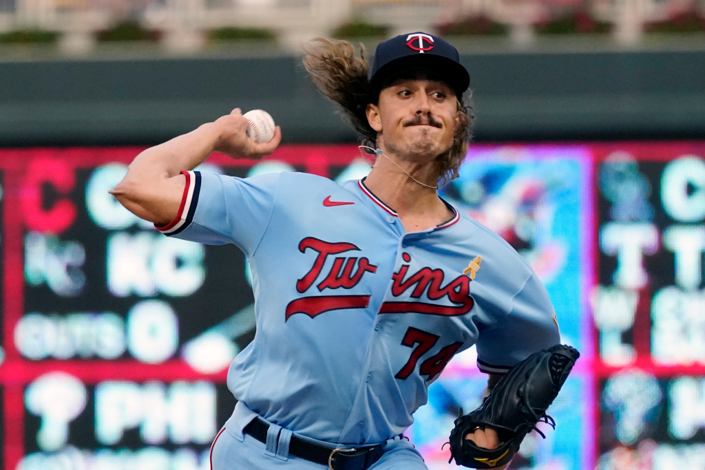 Twins' evaluations of young arms slowed by injuries