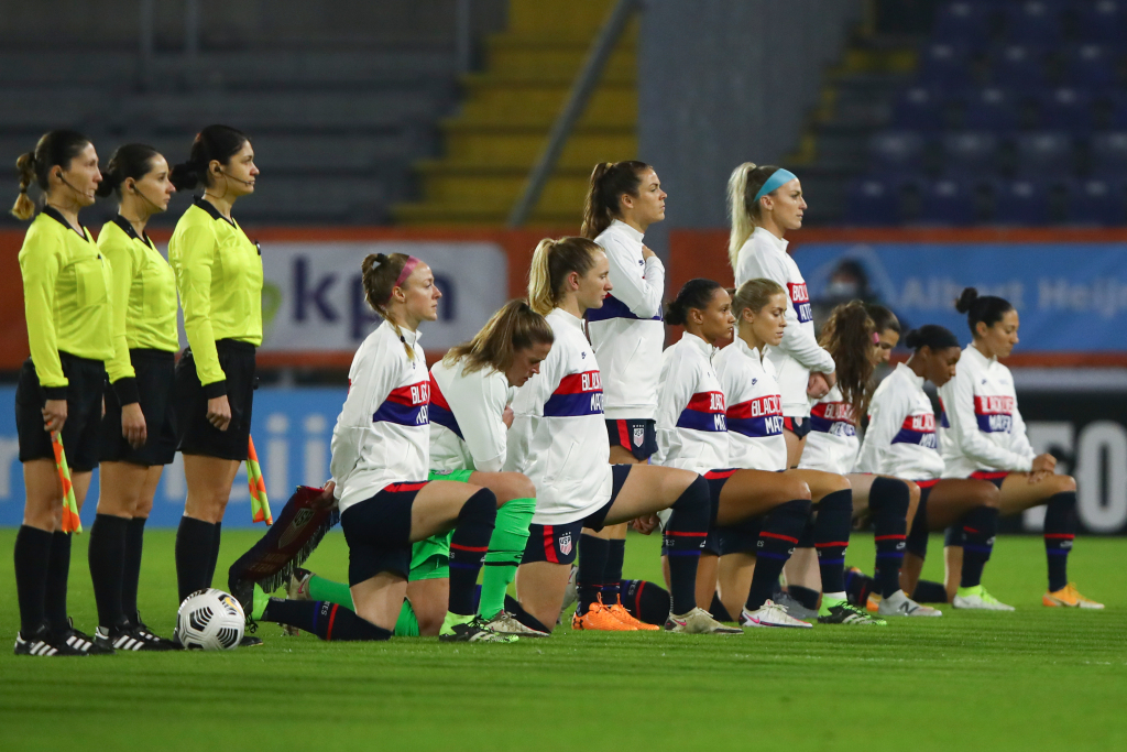 U.S. Soccer says it has offered men, women identical contracts