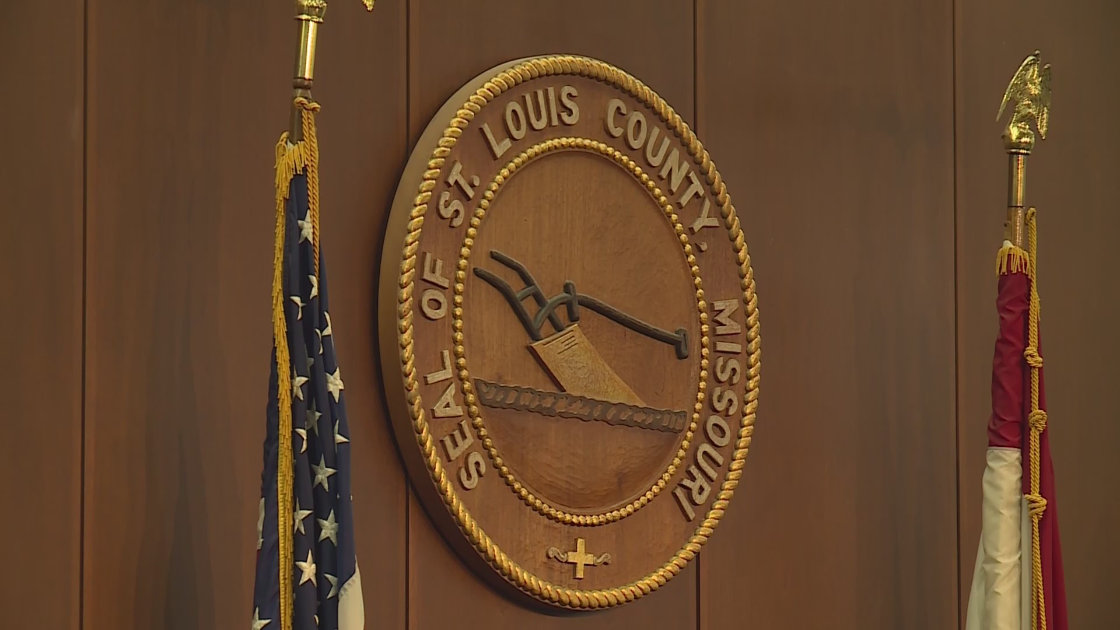 St. Louis County Council approves COVID-19 vaccine mandate for employees