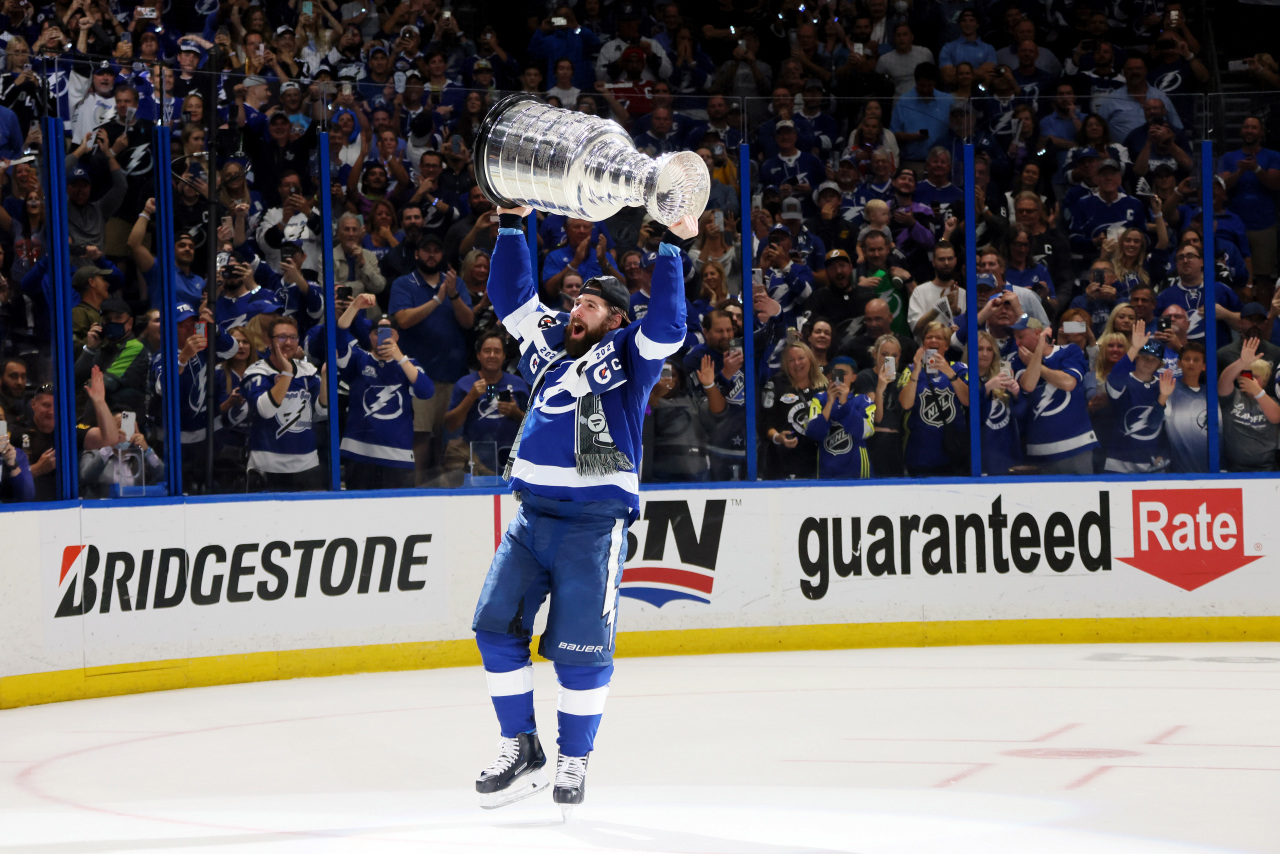 Pat Maroon is bringing the Stanley Cup to his old high school in St. Louis County