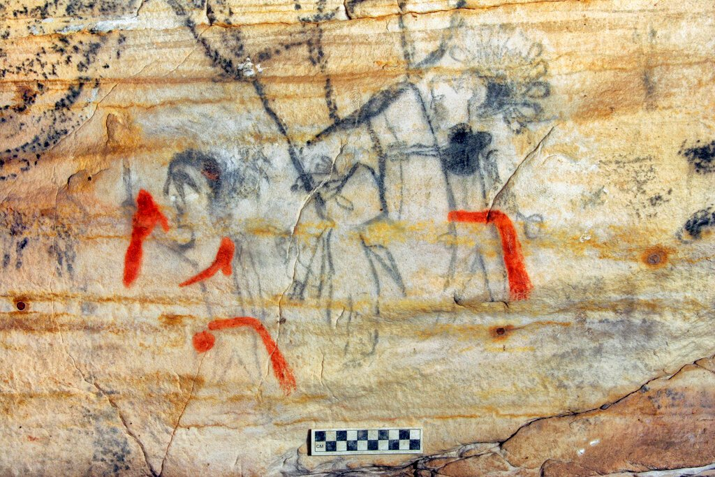 Missouri 'Picture Cave' with ancient Native American drawings sold