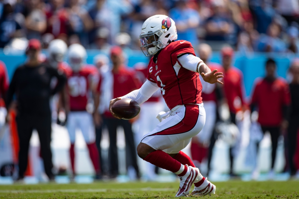 Cardinals QB Kyler Murray 'looks like a video game' when he plays. How do the Vikings stop him?