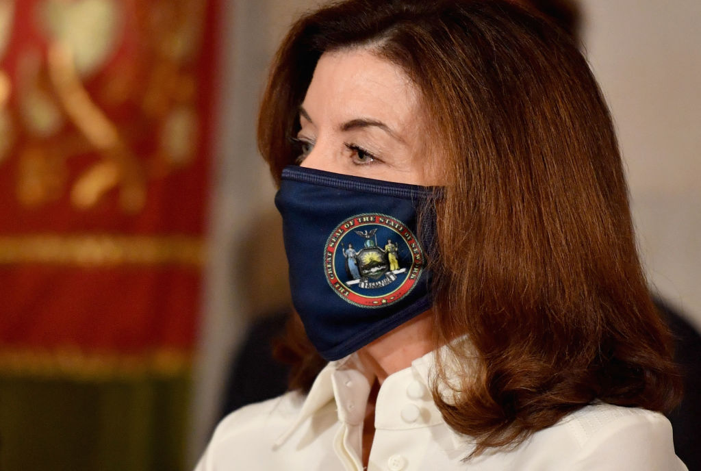 Hochul doubles down on health care vaccine mandate amidst lawsuit