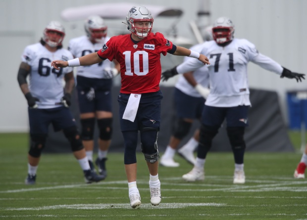 1631851001 60 Patriots down two starters for a second straight practice Thursday