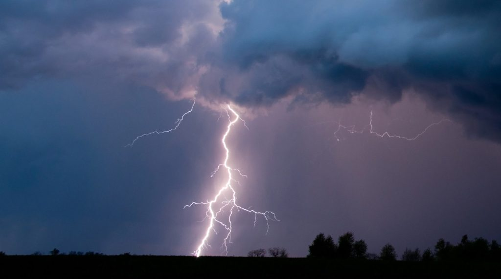 Thousands without power in Twin Cities following early Friday morning storm