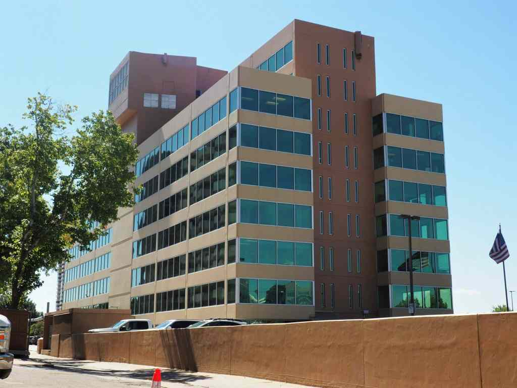 Broe looks to replace Cherry Creek office building with residential project