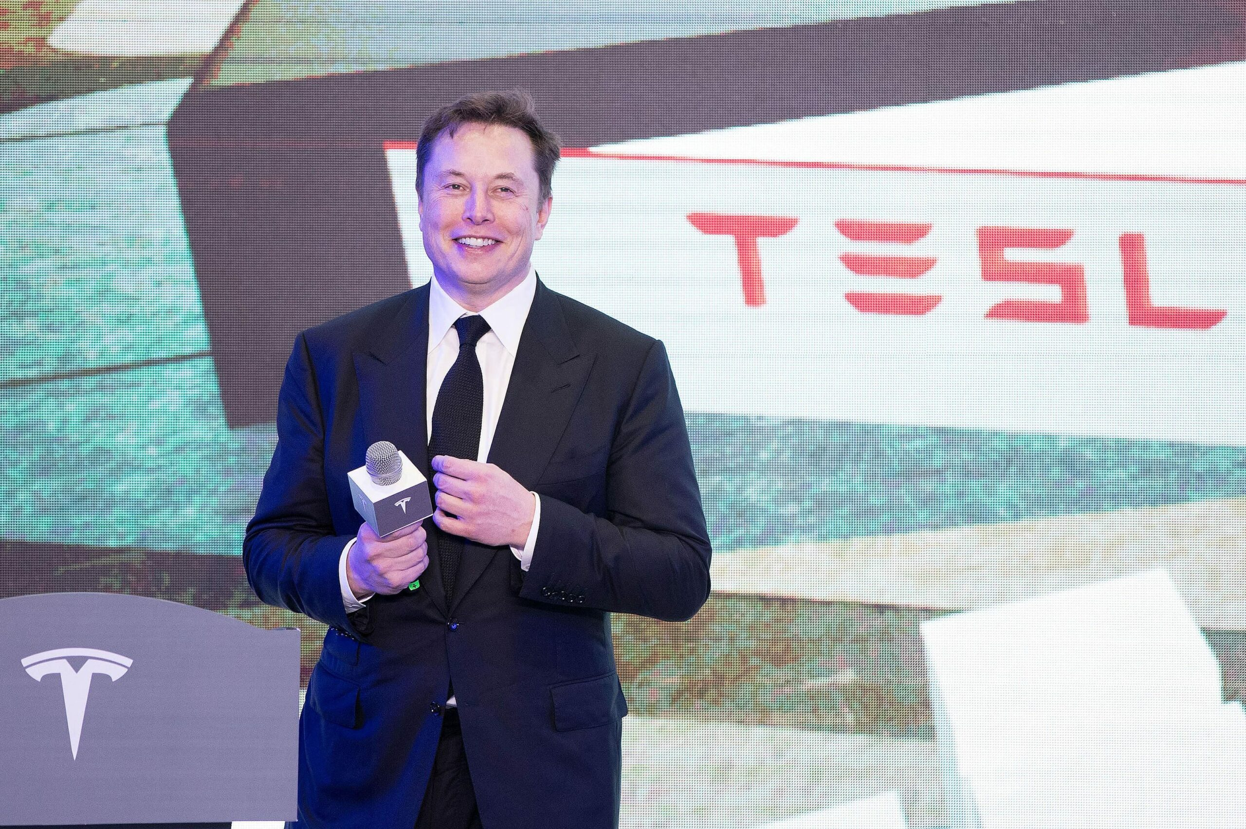 Elon Musk Lauds Chinese EV Makers as 'Most Competitive' in the World Amid Image Crisis
