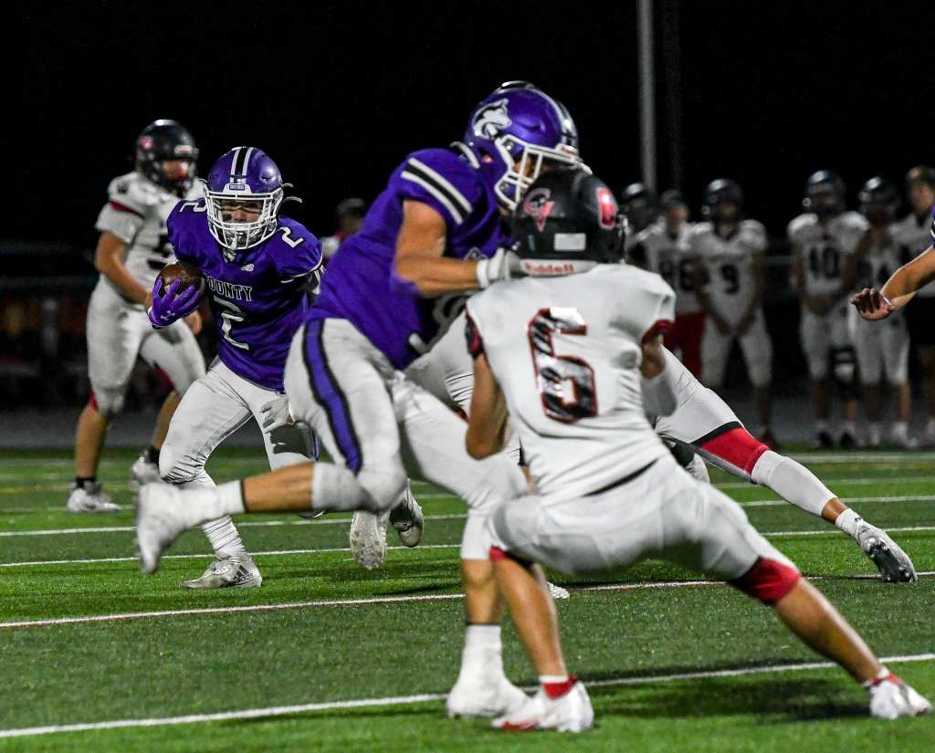 """5A football: Douglas County blanks Castle View for first """"Battle of the Rock"""" win since 2014"""