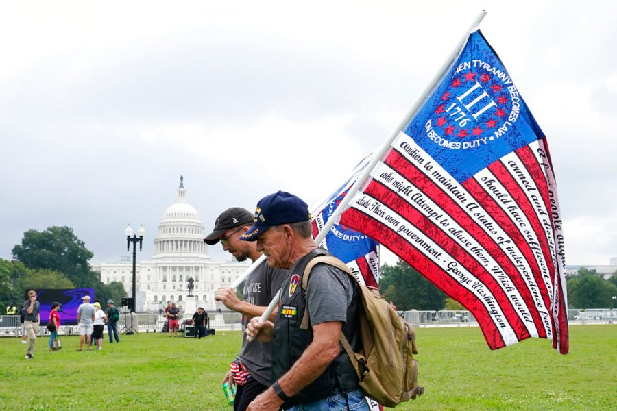 1632014238 594 Trickle of protesters at DC rally outnumbered by media police