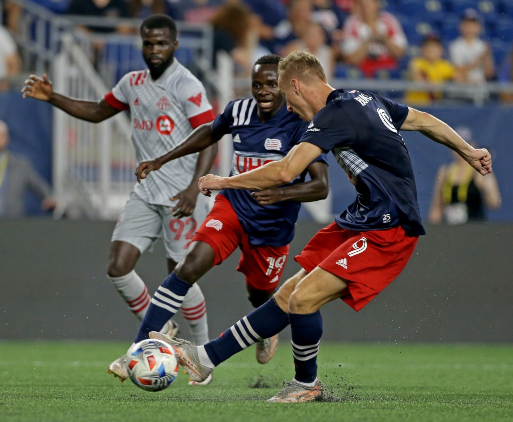 Revolution battled to a 1-1 tie with the Columbus Crew at Gillette Stadium