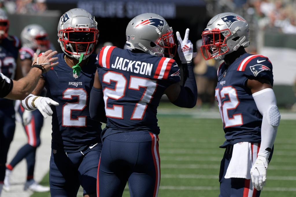 Patriots defense dominates Jets and Zach Wilson in another Belichick win over rookie QBs