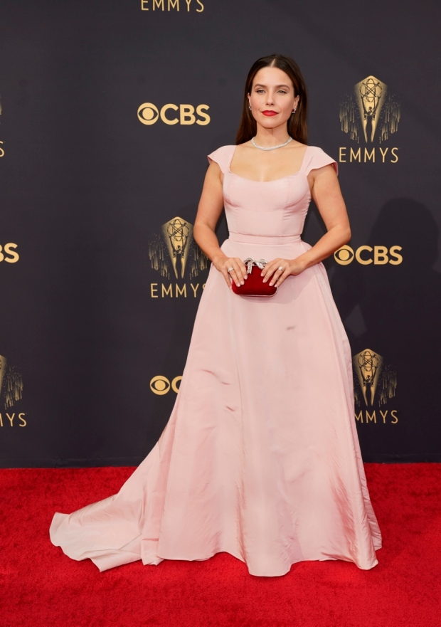 1632121509 48 Who wore what on the Emmy Awards red carpet