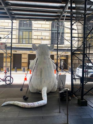 1632159499 870 Inflatable Bitcoin Rat Makes Comeback Due To Federal Reserve Ethics