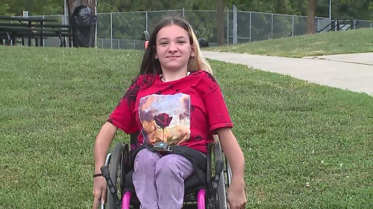 Missouri high school cheerleader says she's been sidelined because of wheelchair