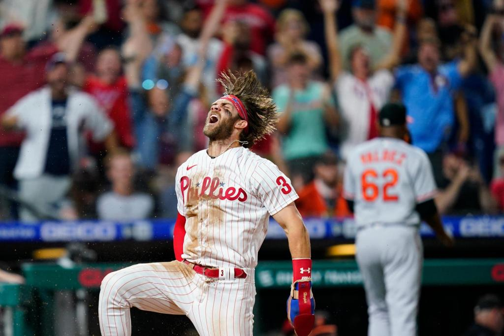 Mike Schmidt: Bryce Harper is clear MVP, he's Pete Rose with power
