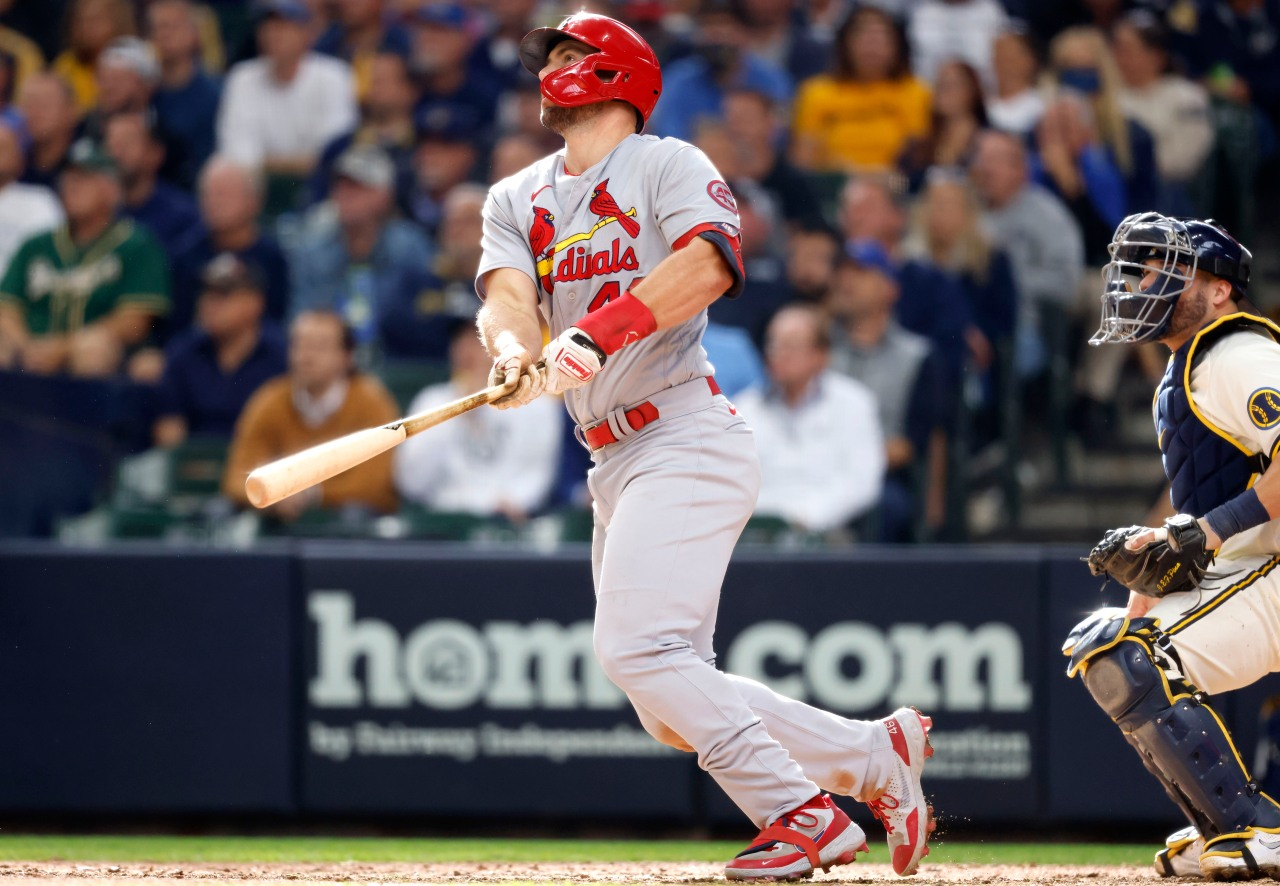 Goldschmidt homers twice, Cards beat Brewers for 12th in a row