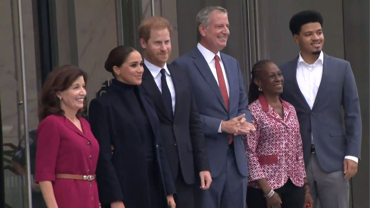 Meghan and Harry visit One World Observatory with Hochul, de Blasio