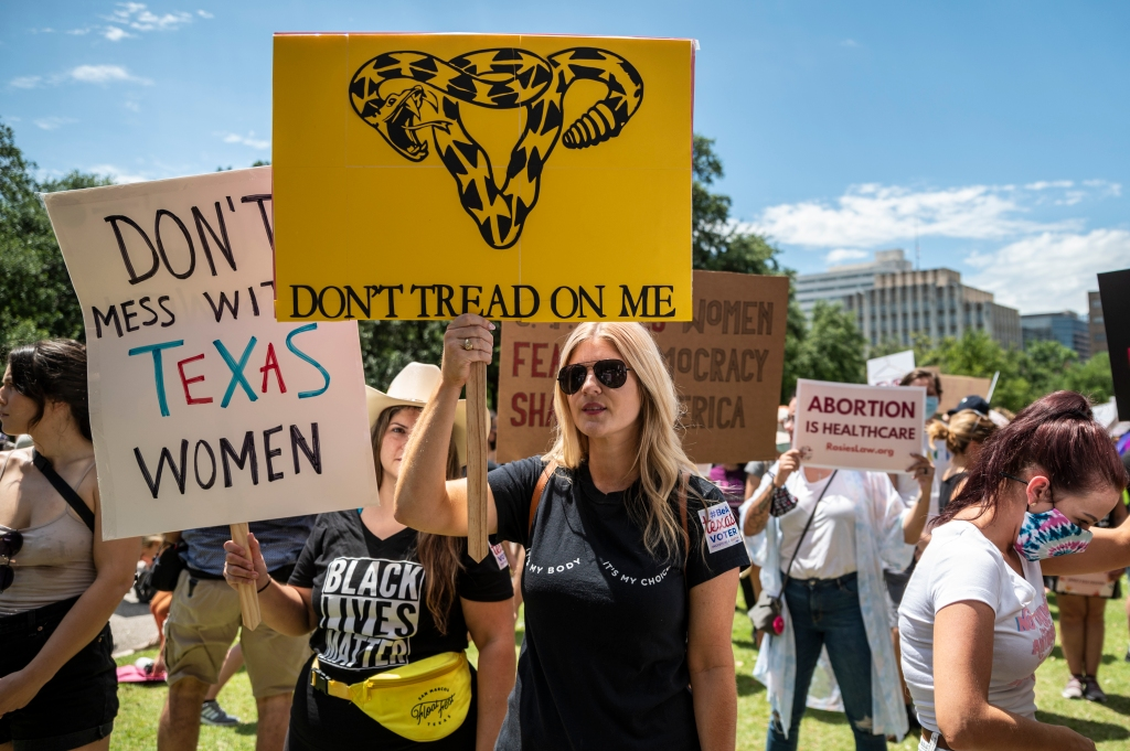 Letters: Abortion battle in Texas crosses state lines