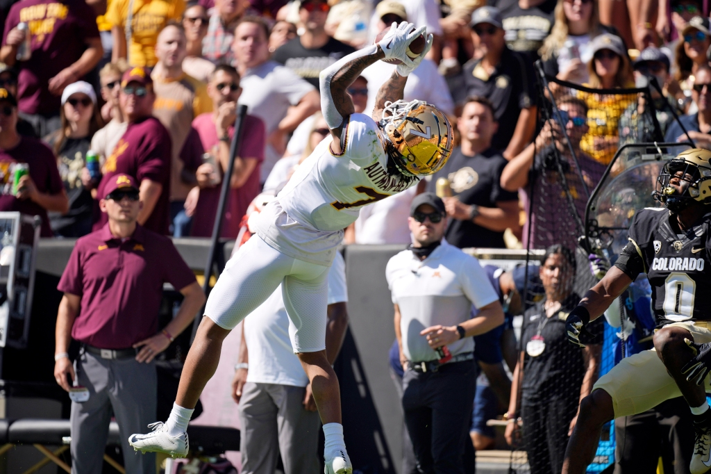 Gophers (again) forced to play without top receiver Chris Autman-Bell