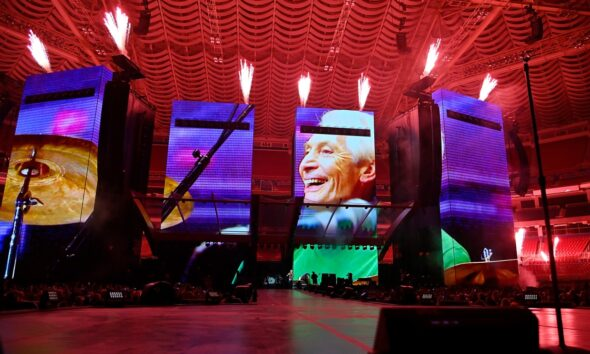 Rolling Stones open American tour in St. Louis, pay tribute to late drummer Charlie Watts
