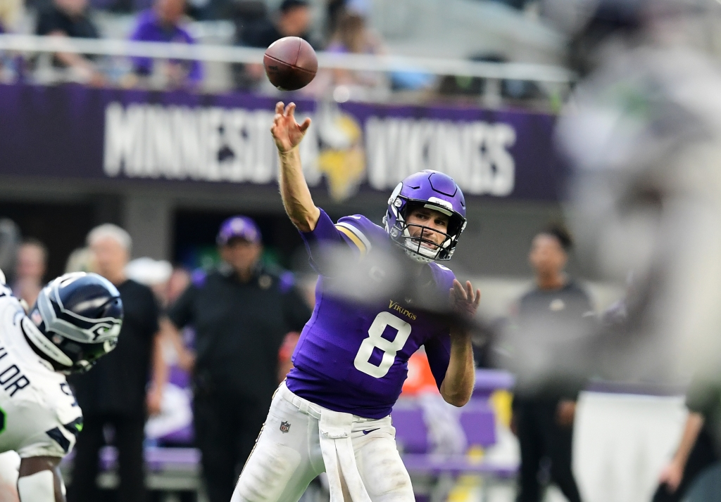 Without injured Dalvin Cook, Vikings swamp Seahawks 30-17 in home opener