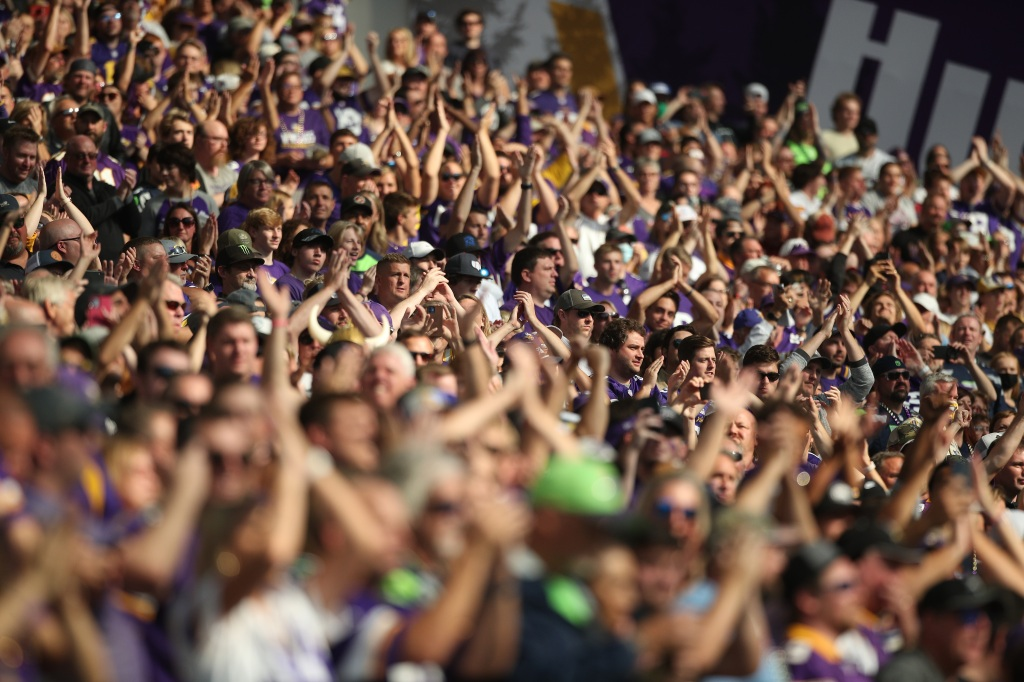 Vikings thrilled to have a loud sellout crowd as fans return to U.S. Bank Stadium