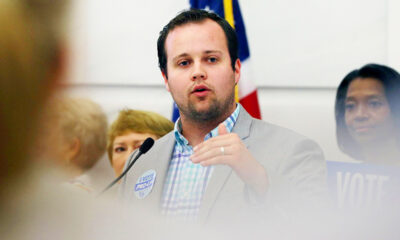 Josh Duggar Holds Hands With Pregnant Wife Anna After Failing To Dismiss Child Porn Case