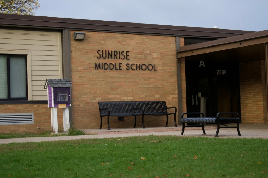 White Bear Lake middle school gets rid of 'F' grades. Parents raise concerns.