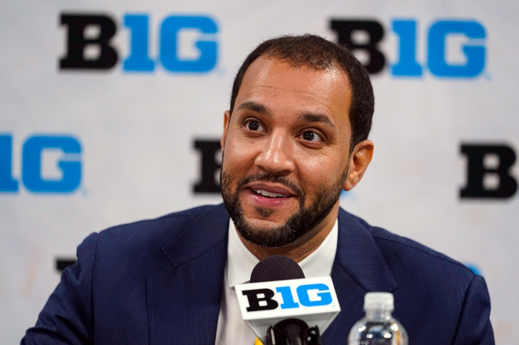 Picked to finish last in Big Ten, Gophers men's basketball team has 'chip on our shoulder'