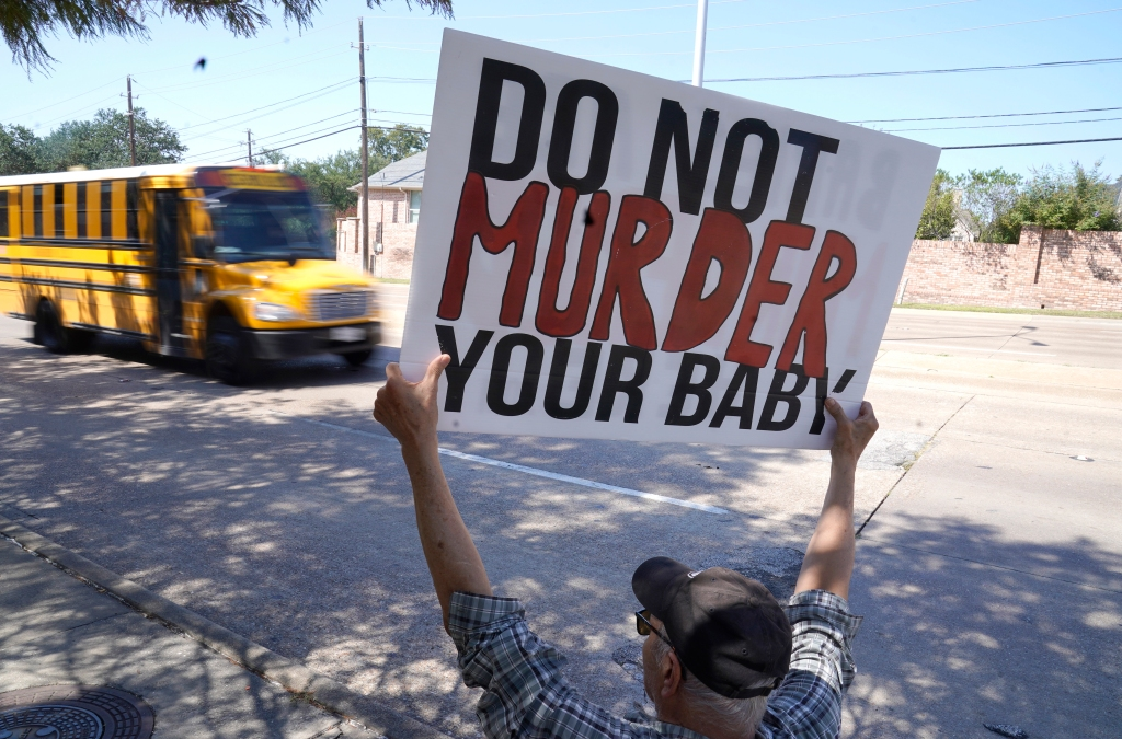 U.S. appeals court lets Texas resume ban on most abortions