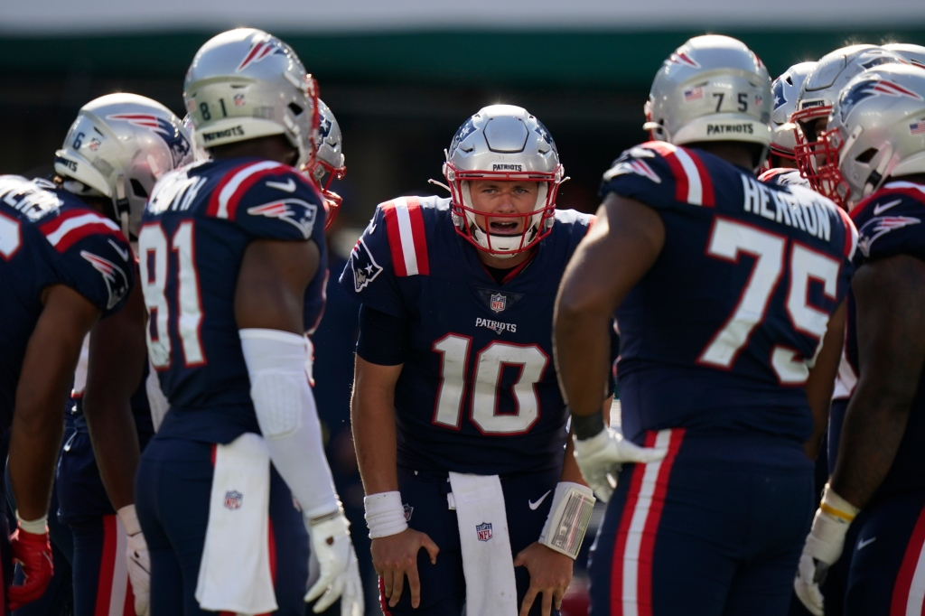 How the Patriots offense can find its groove against the Texans