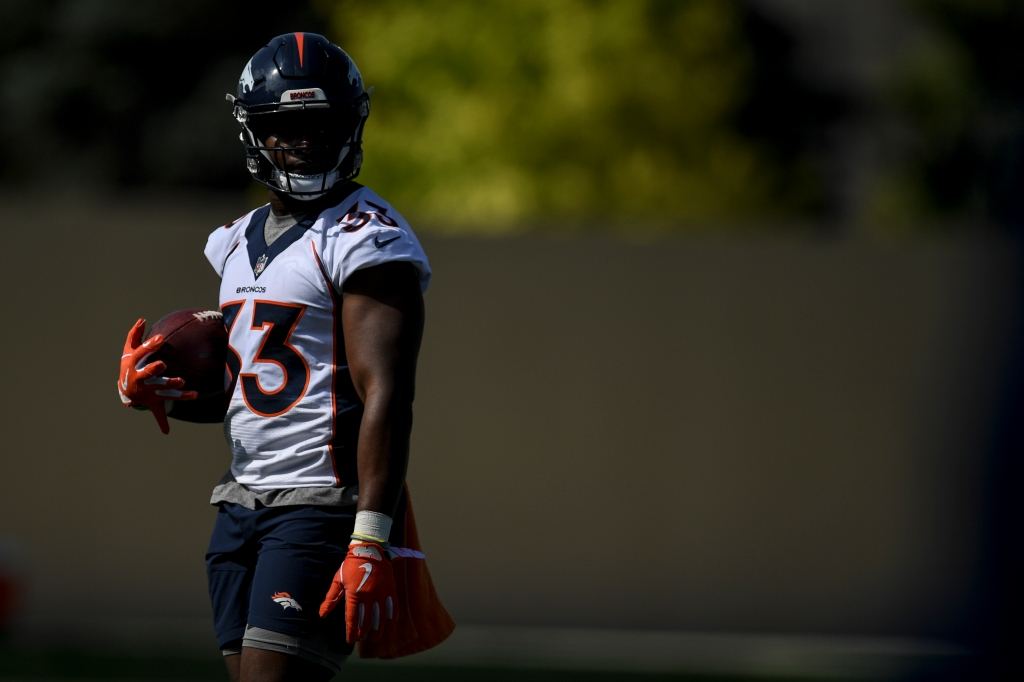 WATCH: Broncos' Javonte Williams takes off for 49-yard run against Steelers