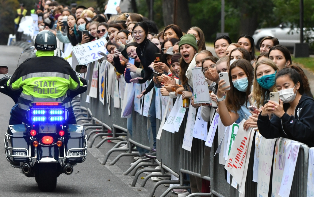 Boston Marathon welcomed back with a roar: 'This is what Boston lives for every year'