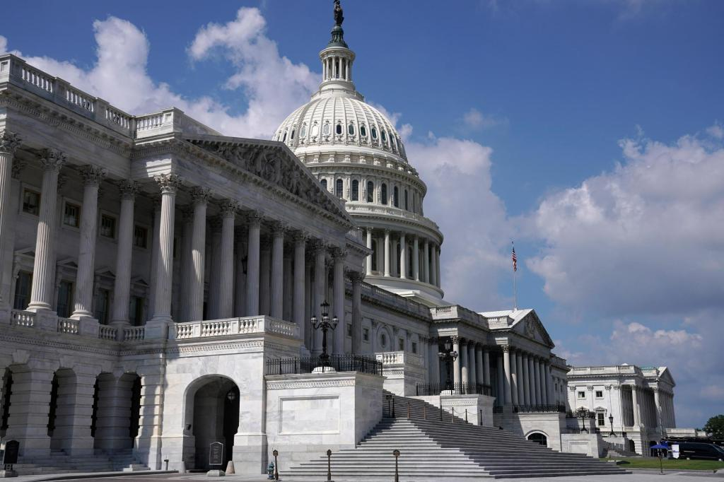 House returns to stave off default with debt limit vote