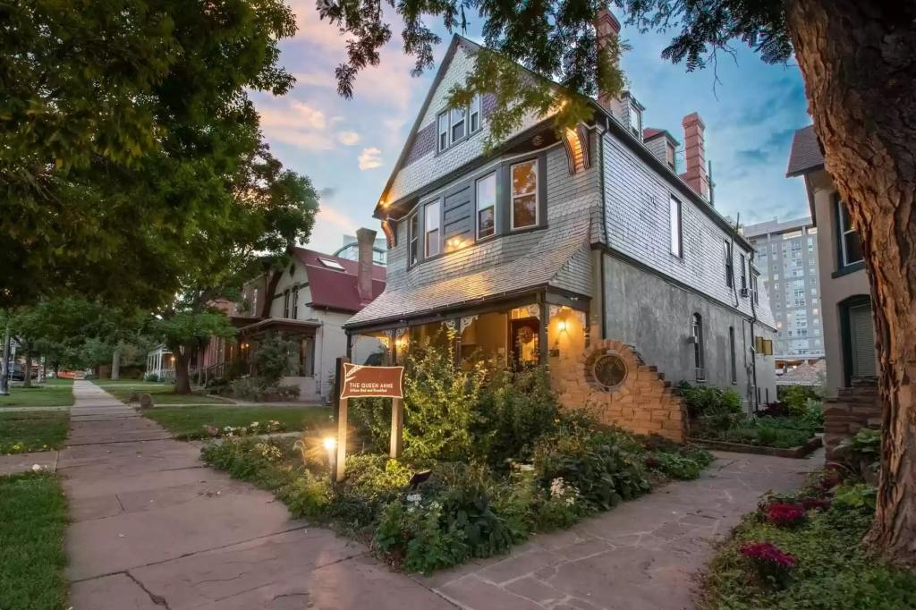 Victorian bed and breakfast in Denver hits market for $4 million