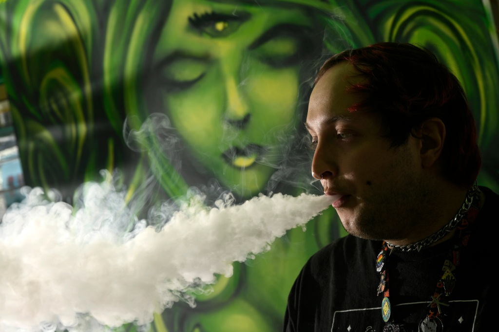 Push to ban sale of flavored tobacco, vape juices in Denver sparks intense debate
