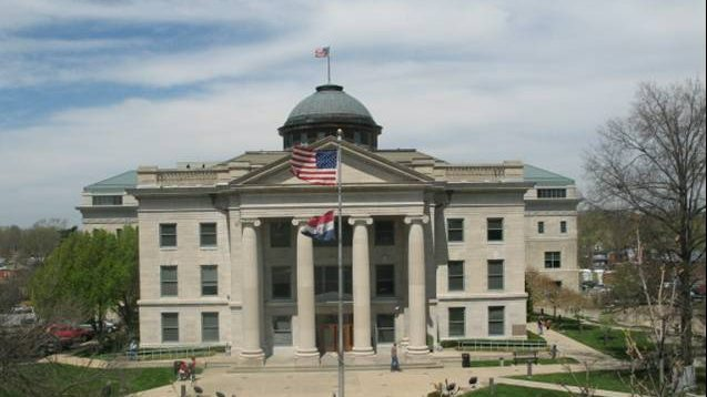 Murals showing attempted lynching, other scenes to come down at Missouri courthouse