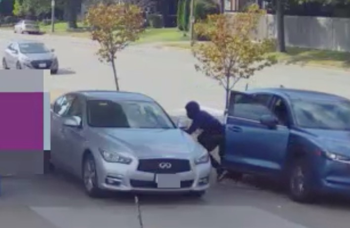 Thieves are sneaking into cars at St. Louis gas stations and driving away